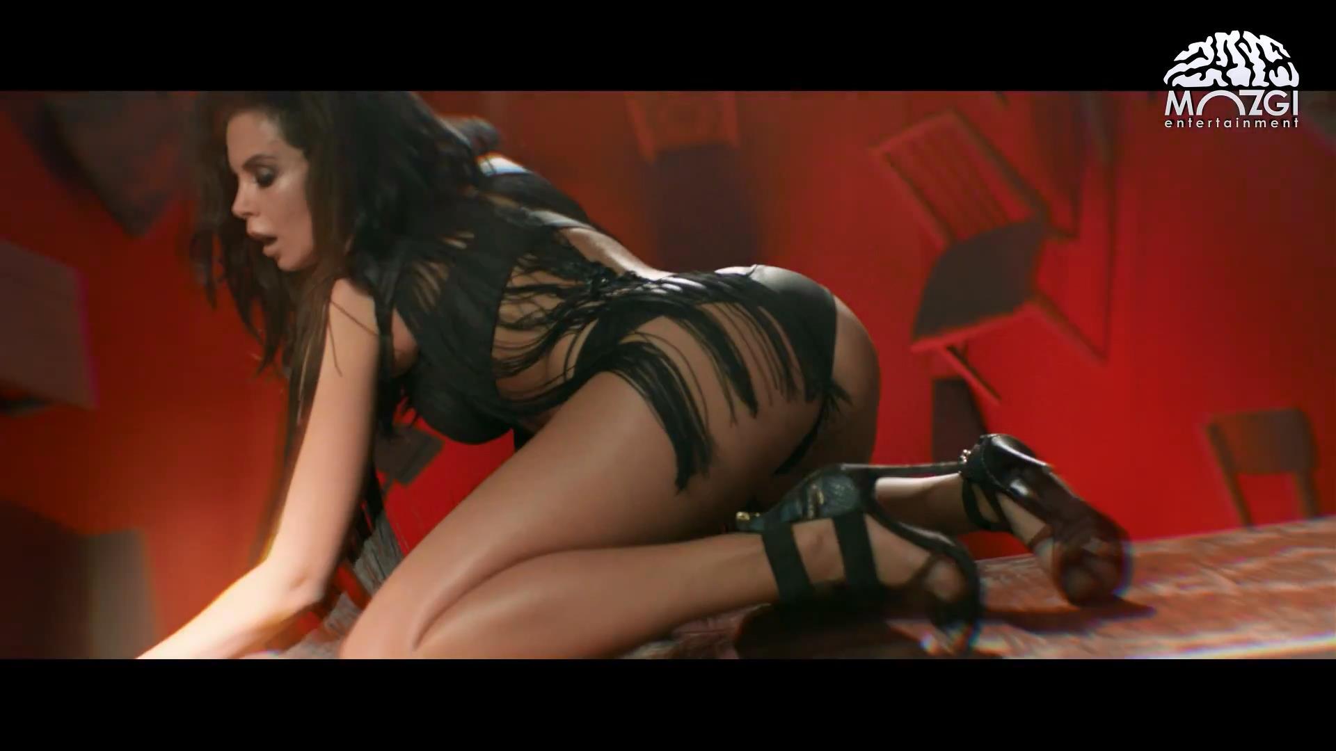 Трахает страпоном жестко смотреть онлайн, Порно Страпон - 83 видео. Смотреть порно онлайн! 9 фотография